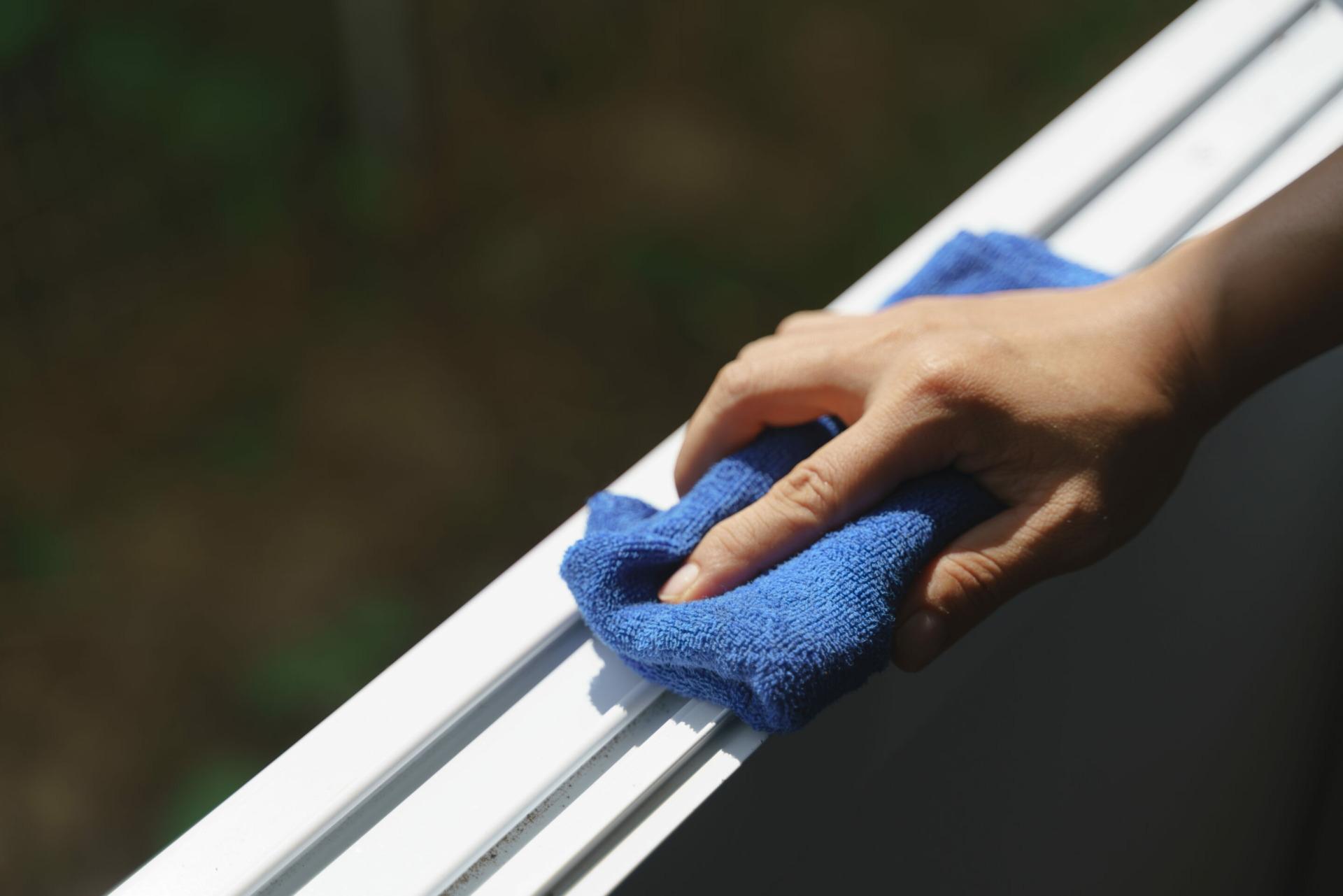 Aluminium-Gartenmöbel sauber machen